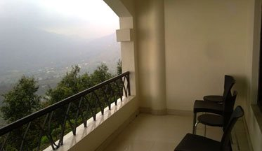 United-21 Resort Bhimtal Balcony