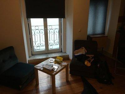 0907_tues_airbnb_lisbon4.jpg