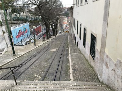 0918_tues_lisbon_tram.jpg