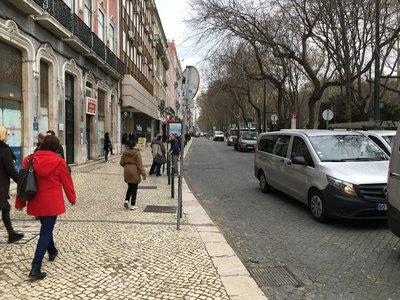 0924_tues_lisbon_street.jpg