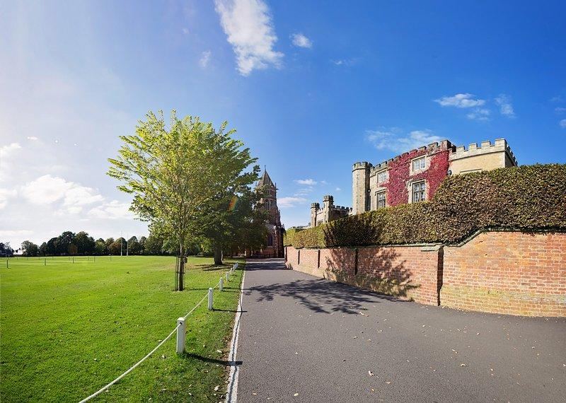 large_Rugby_School.jpg