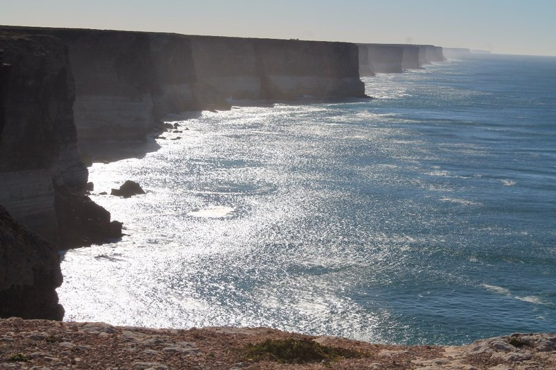 Cliff edges along the Nullabor
