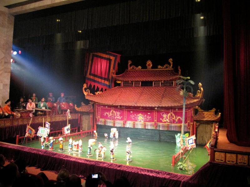 large_Thang_Long..et_Theatre2.jpg