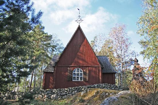 large_seurasaari-church.jpg