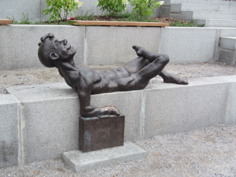 Turku statues