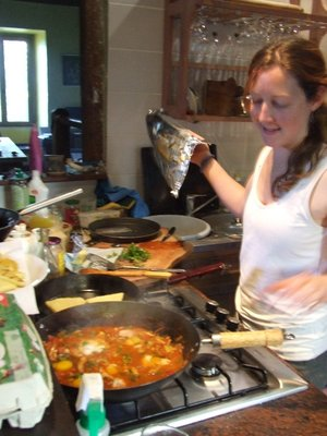 Cooking shakshouka