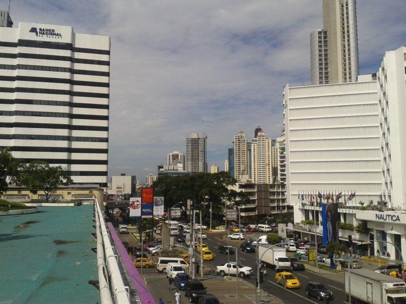 Avenida Central España.