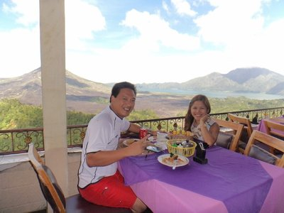 Lunch with a breathtaking view of Mr. Batur