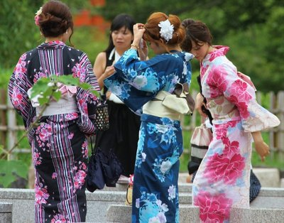 Girls on lunch in Kyoto