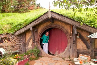 Hobbiton_and_Mauri_21-01.jpeg