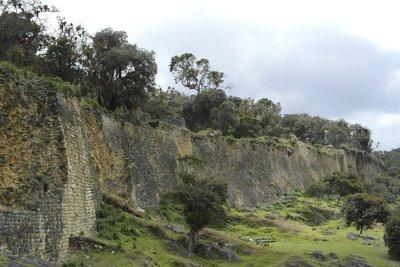 20 meter high walls