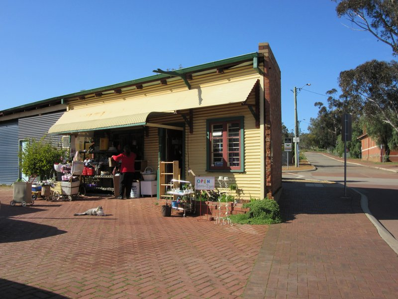 Courtyard Antiques @ Toodyay