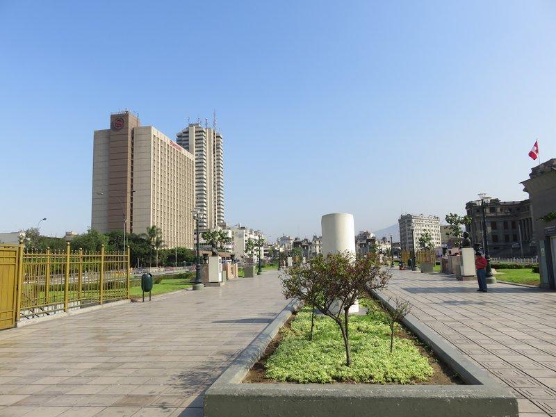 Grau Plaza