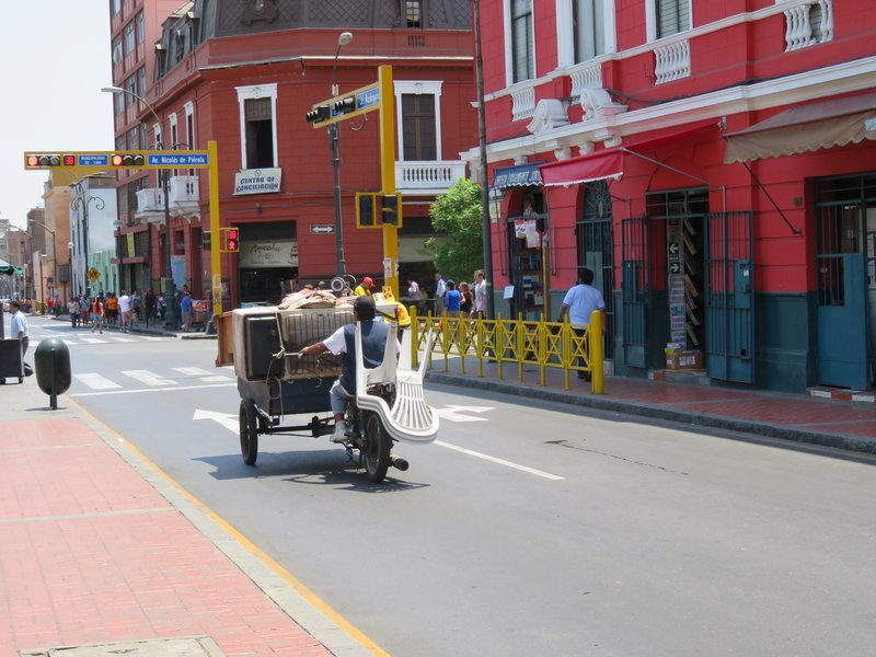 Moving house in Lima, Peru