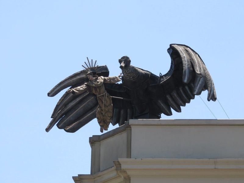 Sculpture of Vulture