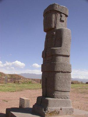 la_paz_tiwanaku_statue