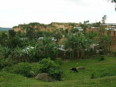 uga_mbale_wandeling door dorpje