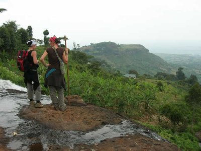 uga_sipi falls_ vanboven op waterval 2