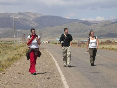 la_paz_tiwanaku_tourists