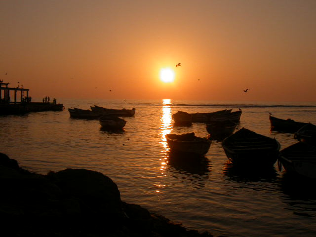 pisco_sunset boats