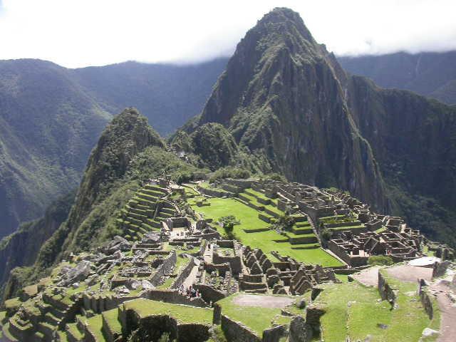 Machu_Pichu_view 1