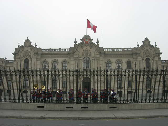 Lima_changing guards