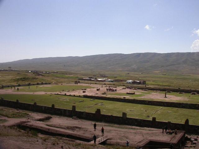 la_paz_tiwanaku_view