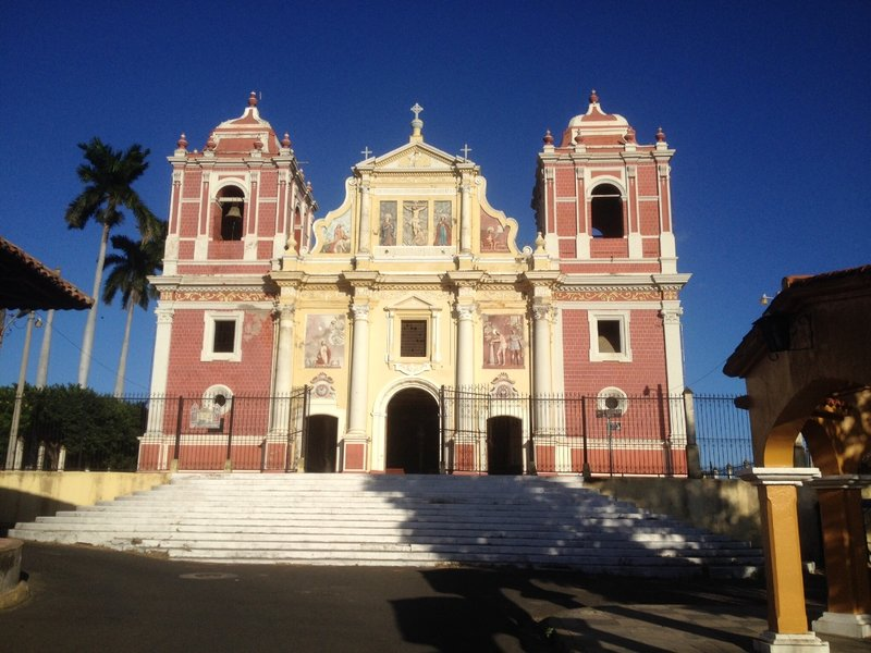 Another impressive León building