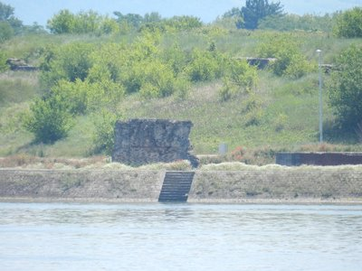 Überreste Brückenpfeiler Trajansbrücke