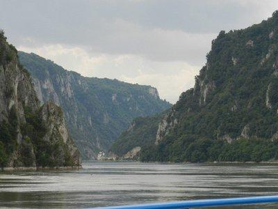 Donaudurchbruch mit Kloster Marconia