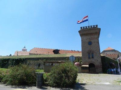 Kloster und Stadtmauer am Drauufer, Osijek