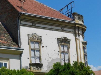 Einschusslöcher Bürgerhaus Hauptplatz Osijek