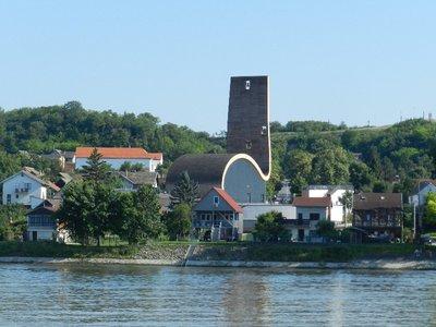 Wallfahrtskirche Aljmas mit Kalvarienberg