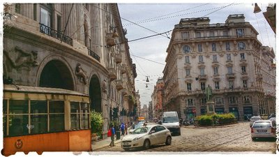 Milano - On the way to the Duomo