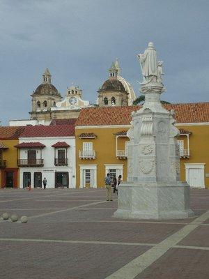 piazza nel centro storico