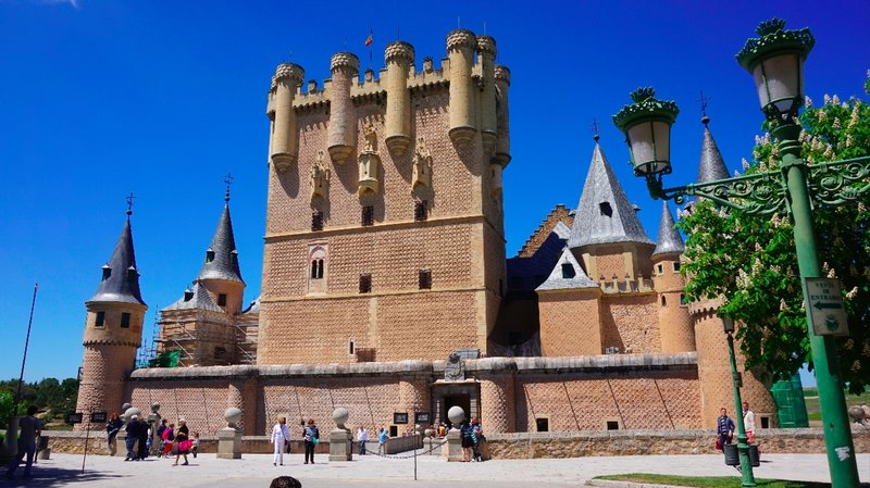 Day 15 - Friday 15th May - Valladolid to Segnovia to Avila