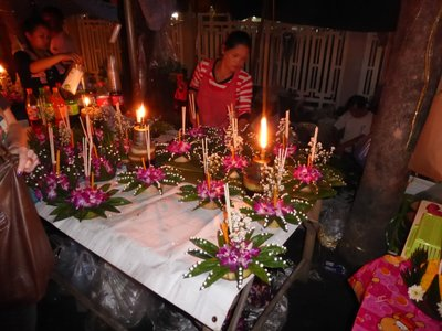 Krathong to buy in all sizes and colours