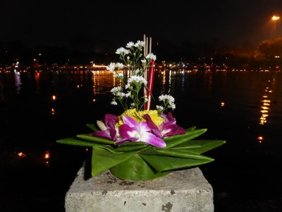 My krathong - it was the most beautiful of all :-)