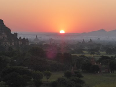 Sunrise - left is Dhammayangyi