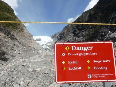 Franz Josef glacier is very dangerous ;-)