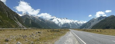 Breathtaking road to Mount Cook national park