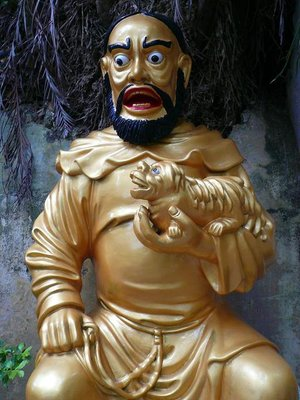 HK - Scared Budda Photo by robandem