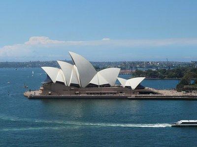 Aus - Sydney Opera House Daytime