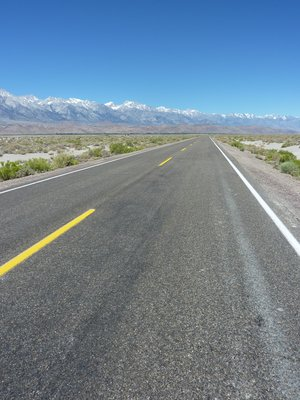 Road to the eastern Sierra Nevada, California