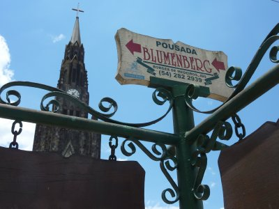 Canela sign and cathedral