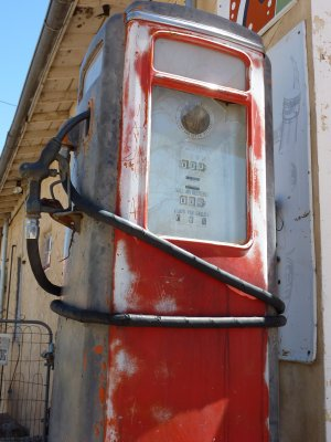 Vintage gaspump, Chimayo, New Mexico