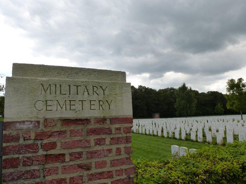 Dozinghem War Cemetery