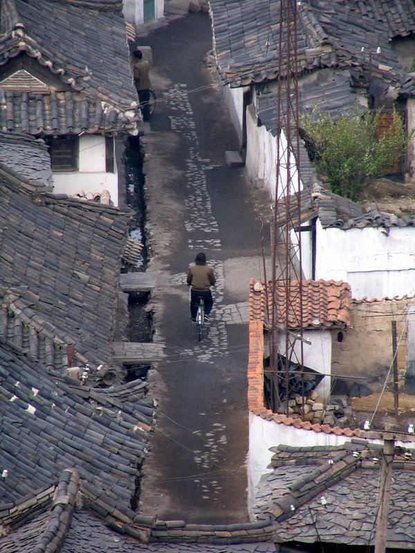 Lonesome biker in Kaesong old streets