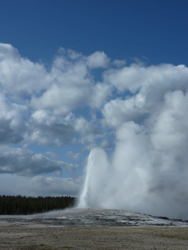 Old Faithful, Yellowstone NP, Wyoming