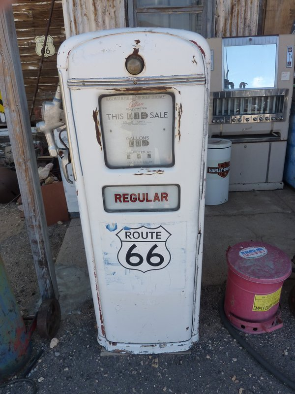 Old gas pump, Route 66